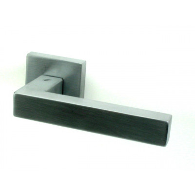 Дверная ручка COLOMBO design ELESSE матовый хром